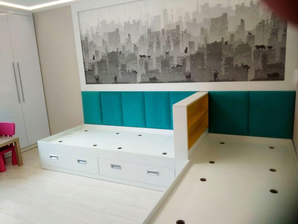 Кровать с мягким изголовьем детская 44