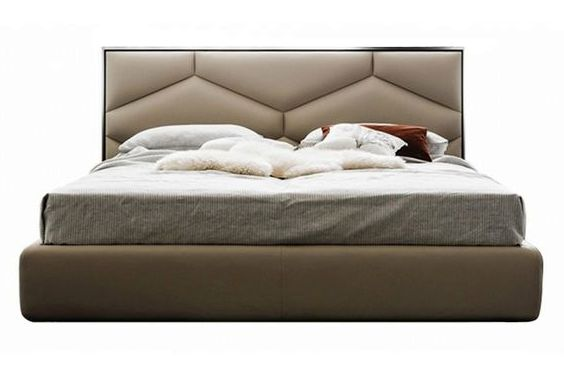 Кровать с большим изголовьем Lorraine