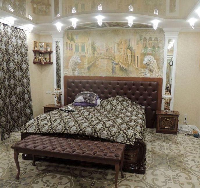 Кровать каретная стяжка в интерьере вид 033
