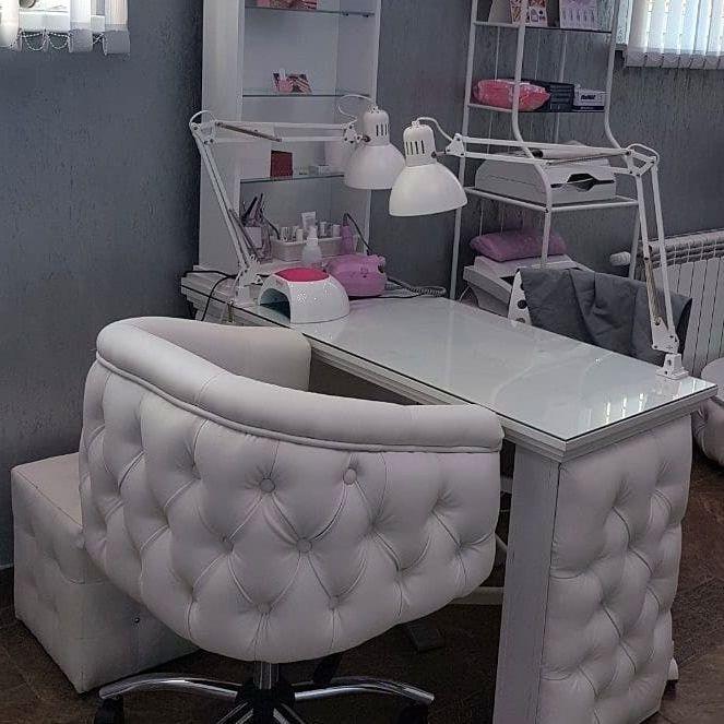 Маникюрный стол и стулья фото 113