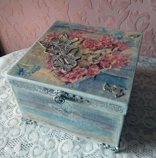 Деревянная шкатулка фото 042