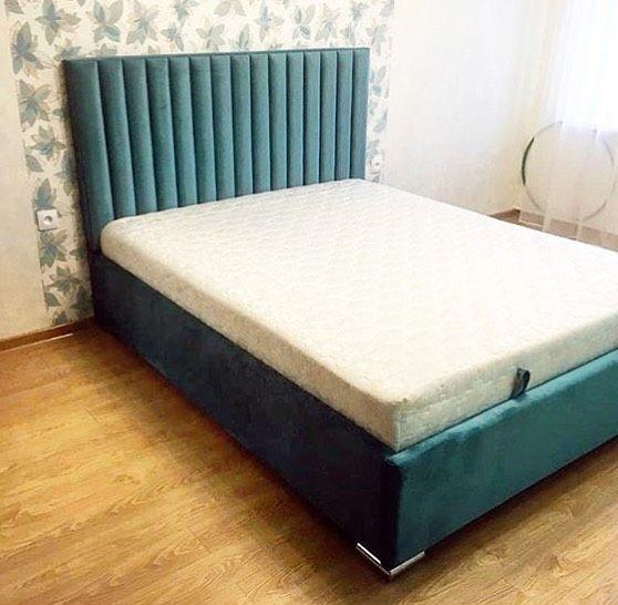 Кровать с большим мягким изголовьем фото 125
