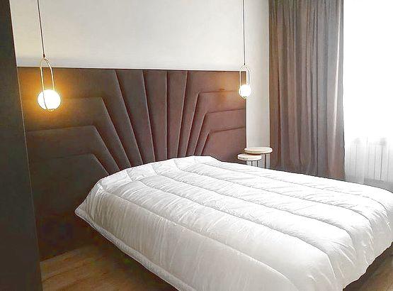Кровать с большим мягким изголовьем фото 128