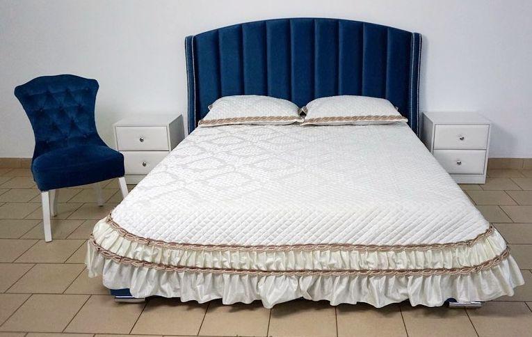 Кровать с большим мягким изголовьем фото 134
