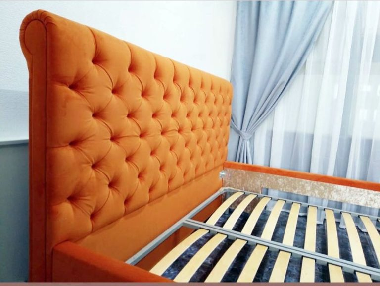 Кровать с большим мягким изголовьем фото 138