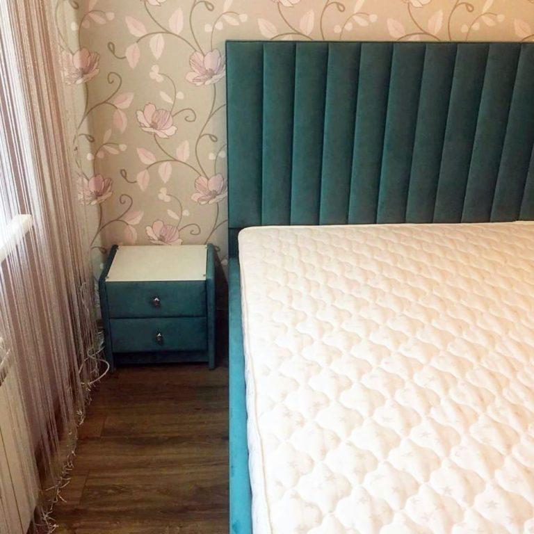 Кровать с большим мягким изголовьем фото 142