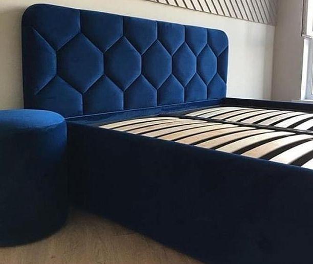 Кровать с большим мягким изголовьем фото 161