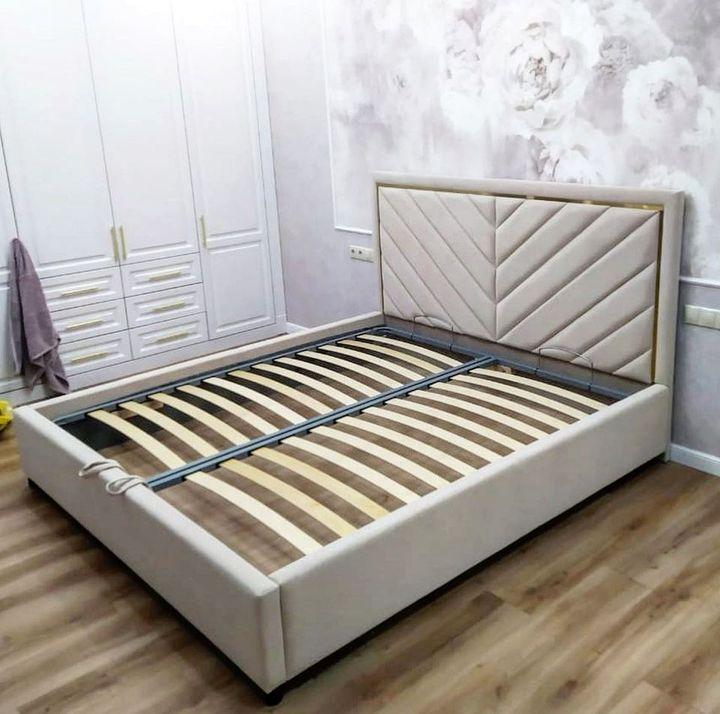 Кровать с мягким изголовьем фото 337