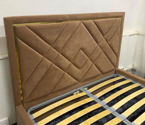 Кровать с мягким изголовьем фото 117