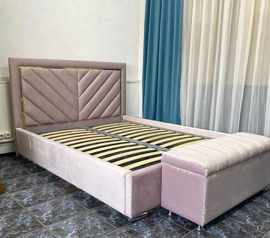 Кровать с мягким изголовьем фото 634