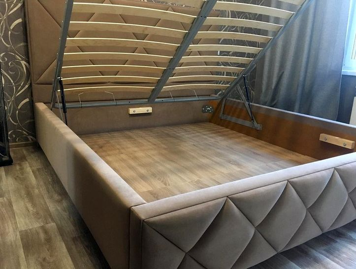 Кровать с мягким изголовьем фото 733