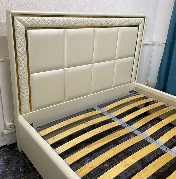 Кровать с мягким изголовьем фото 742